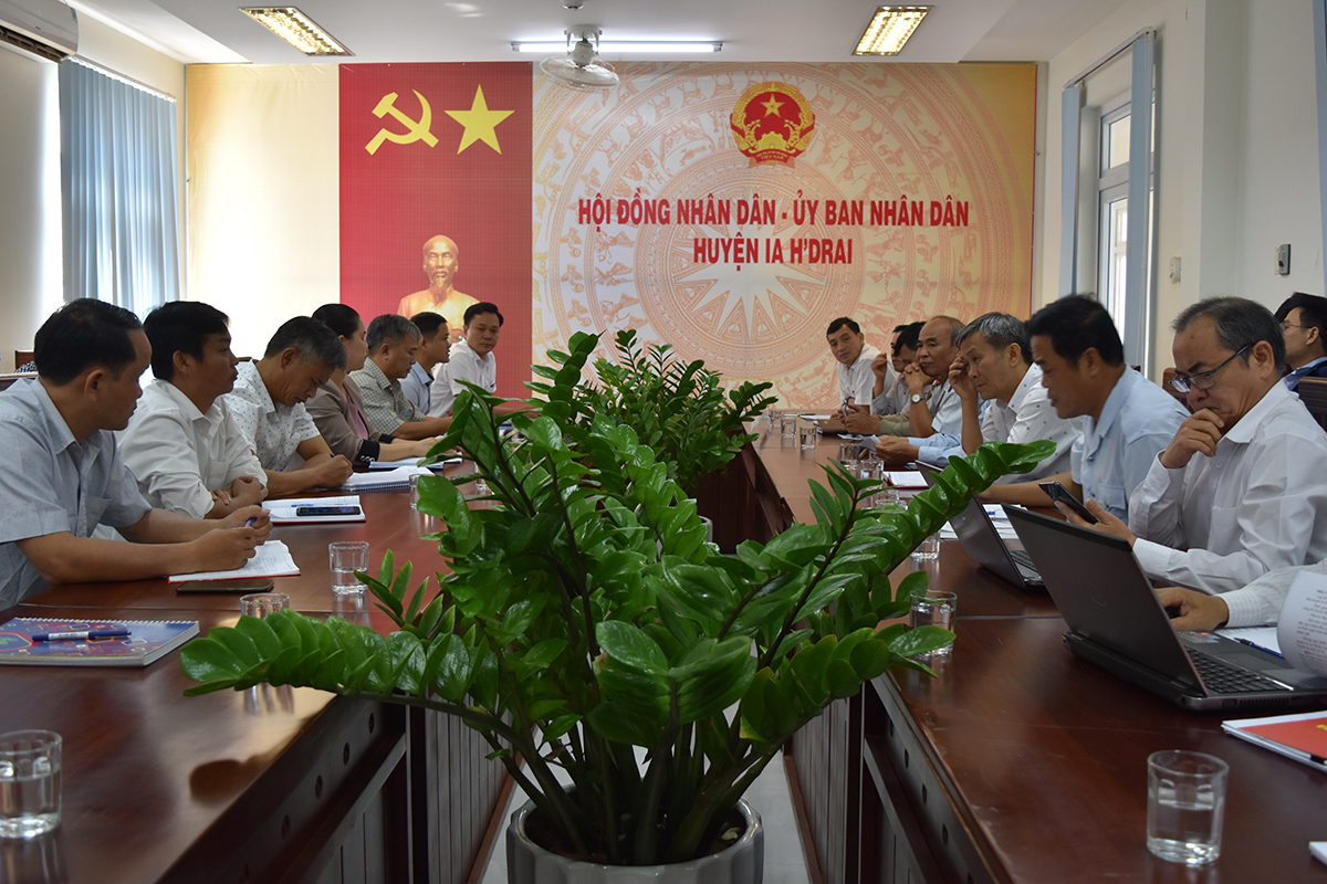 Công bố quyết định thanh tra tại UBND huyện Ia H' Drai